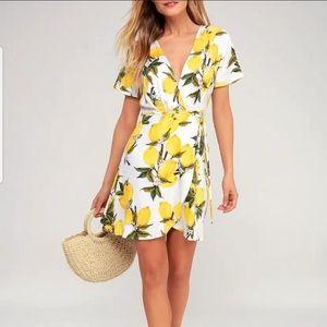 Lulu's lemon print dress 🍋